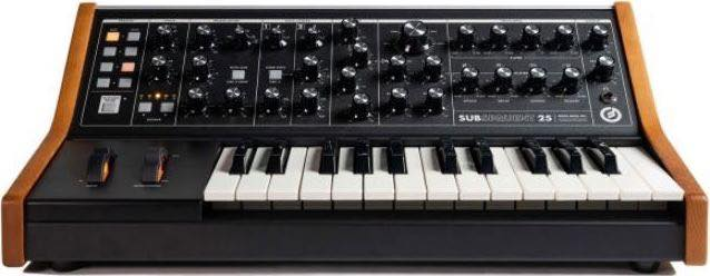 Subsequent 25 / Moog